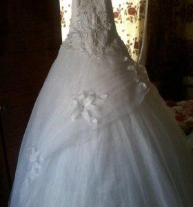 Продам свадебное платье,Не венчанное.