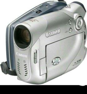 Видеокамера Canon DC100