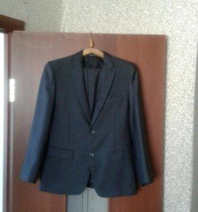 Школьный костюм:брюки,пиджак