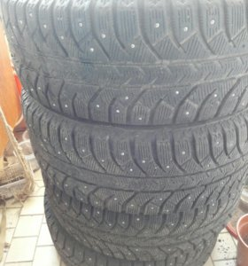 Bridgestone ice cruiser 7000 (215×60×R16)