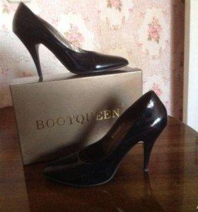 Туфли лаковые новые в коробке