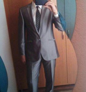 Брэндовый мужской костюм
