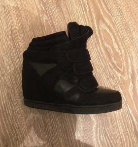 Срочно обувь 2 пары