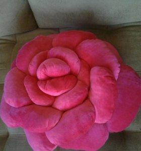 Декоративная подушка-роза