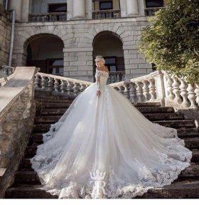Свадебное платье итальянского бренда Emilio Ricci