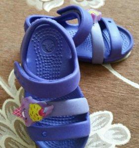 Сандалии Crocs c6
