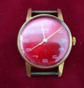 Часы ЗАРЯ позолоченные советские на ходу