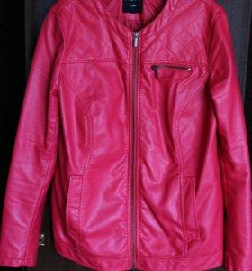 Куртка кожанная/кожзам демисезонная, женская