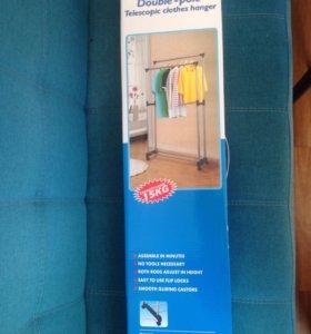 Кронштейн для одежды (переносная вешалка)