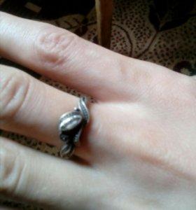 Продам серебряные кольца.
