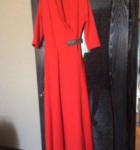 Платье на запах,новое