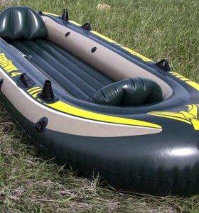 Надувная лодка Intex Seahawk 400 Set 68351. Торг
