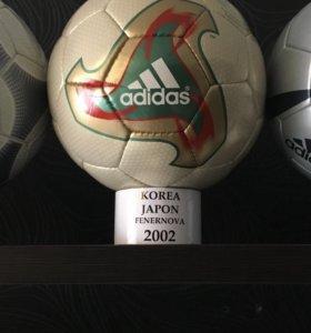 Футбольный мяч adidas fenernova