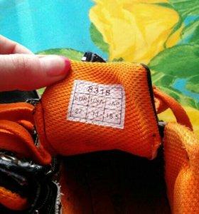 Ботинки на мальчика,27 размер