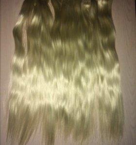 Волосы на заколках, шиньон