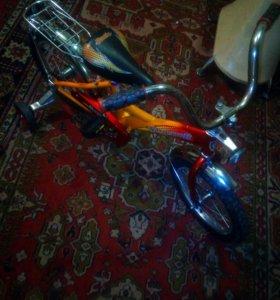 Велосипед на 2-7 лет.