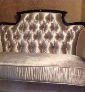 Шикарный диван. Ар-Деко , сделано в Италии.