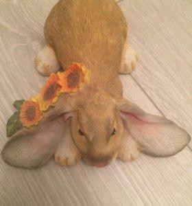 Фигурка кролика