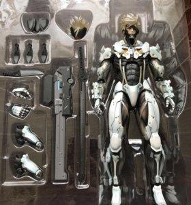 Фигурка Райдена из Metal Gear Rising: Revengeance