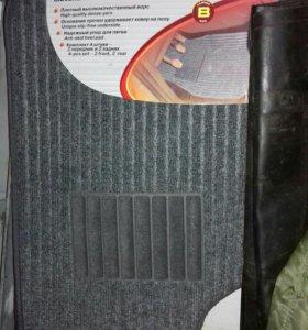 Новые коврики в машину 4 шт.