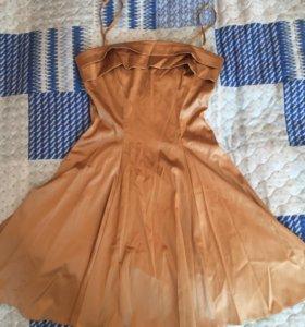 Платье золотое р-р 40-42