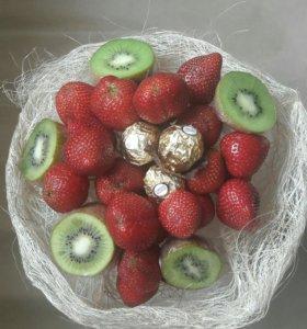 Букет из фруктов, овощей и др