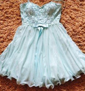 Голубо-бирюзовое платье