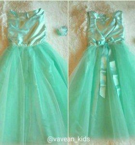 Платье с сердцем на спине