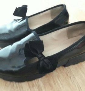 Туфли лаковые,чёрные