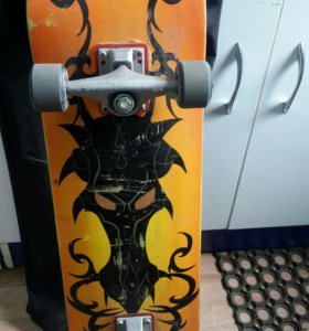 Скейт в чехле