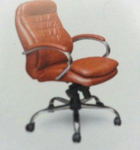 Кресло руководителя, оператора и стулья