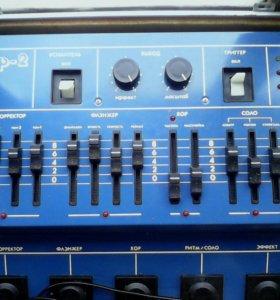 Гитарный микросинтезатор Лидер-2