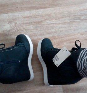 Ботинки новые HM