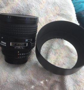 Nikon 85 F 1.4 D с блендой