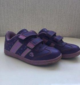 Детские кроссовки .30 размер.