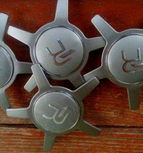 Заглушки для диска ,ступицы  ауди а6 (новые)