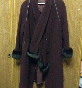 Зимнее пальто (с натуральным мехом)