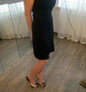 Платье со сьемными бретелями