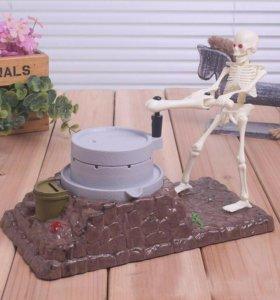 Копилка музыкальная скелет вращает