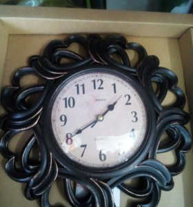 Часы настенные и настольные .