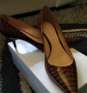 Туфли Casadei новые 39 разм