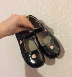 Туфли на девочку. 33 р-р