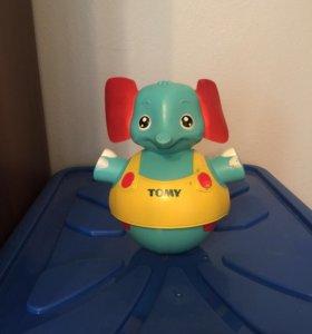 Развивающая игрушка Tomy неваляшка