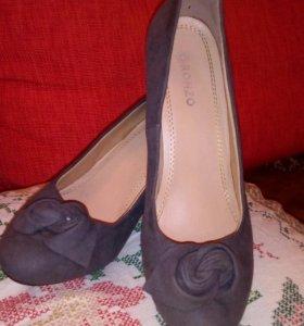 Удобные туфли... Хорошие...