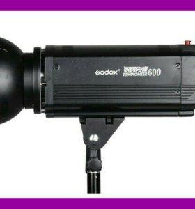 Студийный моноблок Godox серии Digi-Pioneer 600