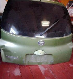 Крышка багажника (пятая дверь) Nissan March Ak12/B