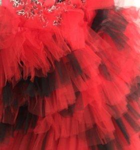 Шикарное платье для девочки на торжества