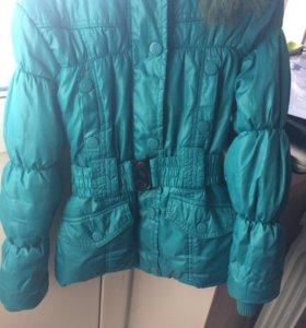 Продам утеплённую курточку 128 размер д/д