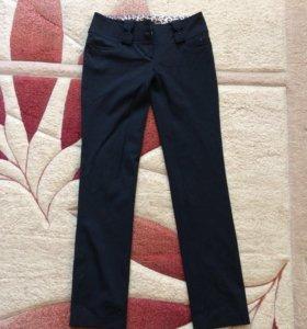 Джинсы размер 26,брюки 42-44