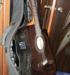 Гитара полуакустическая